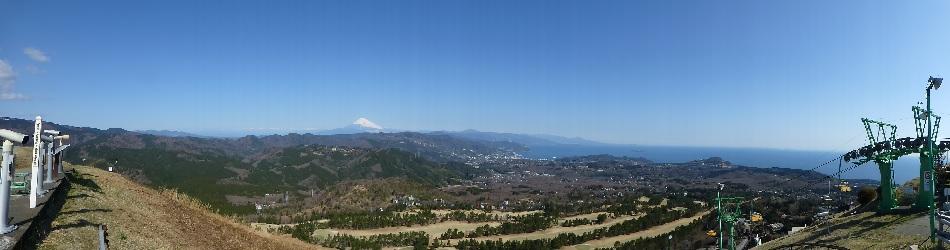 伊豆・伊東大室山の山頂